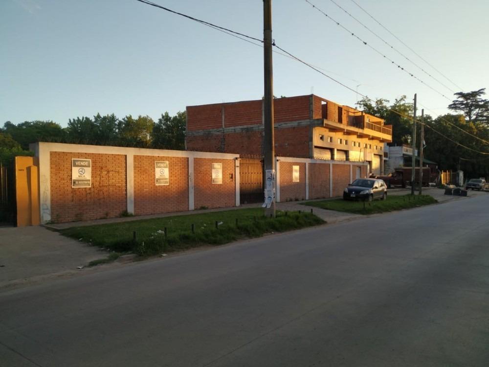 lote comercial con 7 viviendas en moreno sobre ruta 23