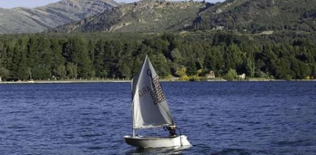 lote con amplias vistas al lago y las montañas en arelauquen golf & country club