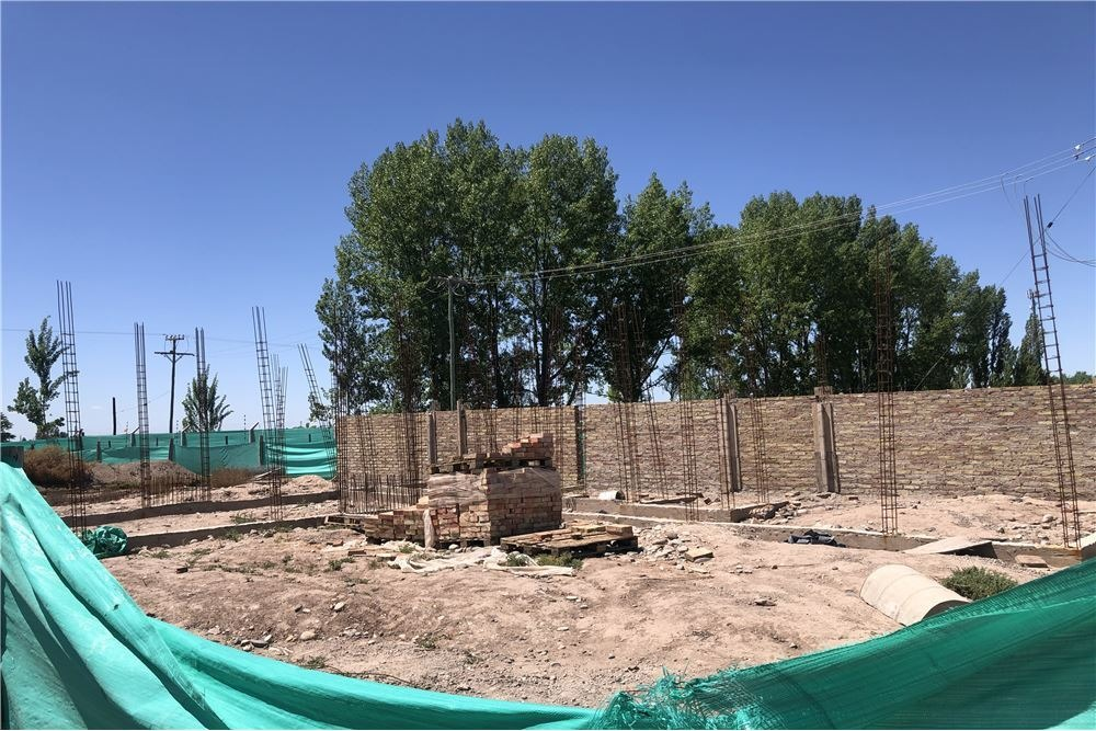lote con construcción barrio privado la toscana