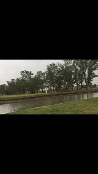 lote con fondo a la laguna en barrio lagos de san eliseo