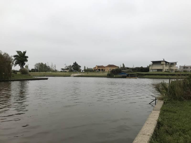 lote con salida al río barrio san marco