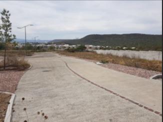 lote con terreno excedente en esquina en altozano