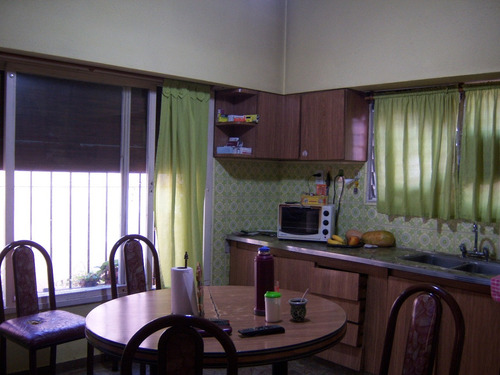 lote de 10x60 c/tres viviendas