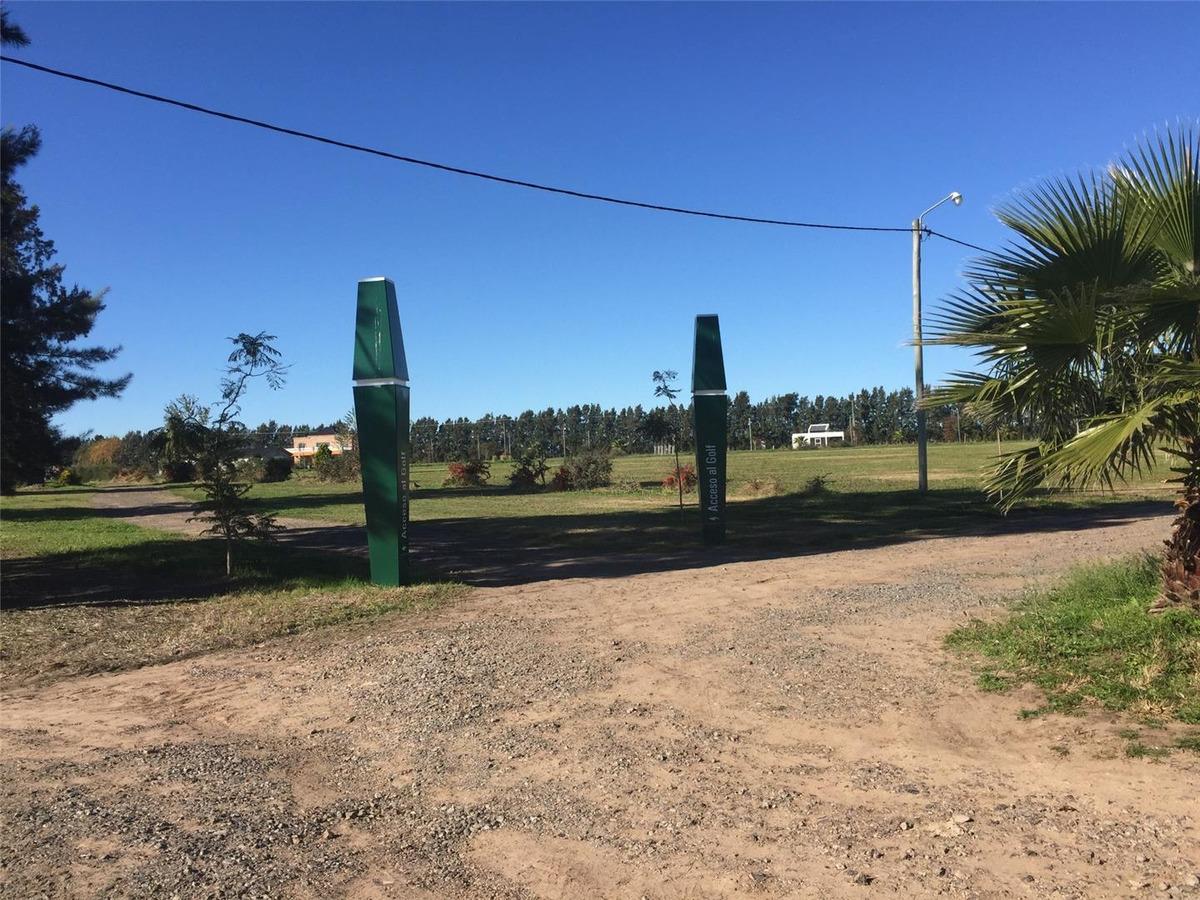 lote de 1200 m2 ubicado en el driving golf a mts de barranca