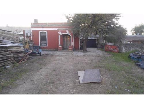 lote de 1280 (m2) con deposito, calle aquino al 5900