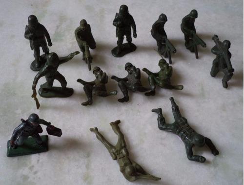 lote de 13 soldados gulliver anos 70