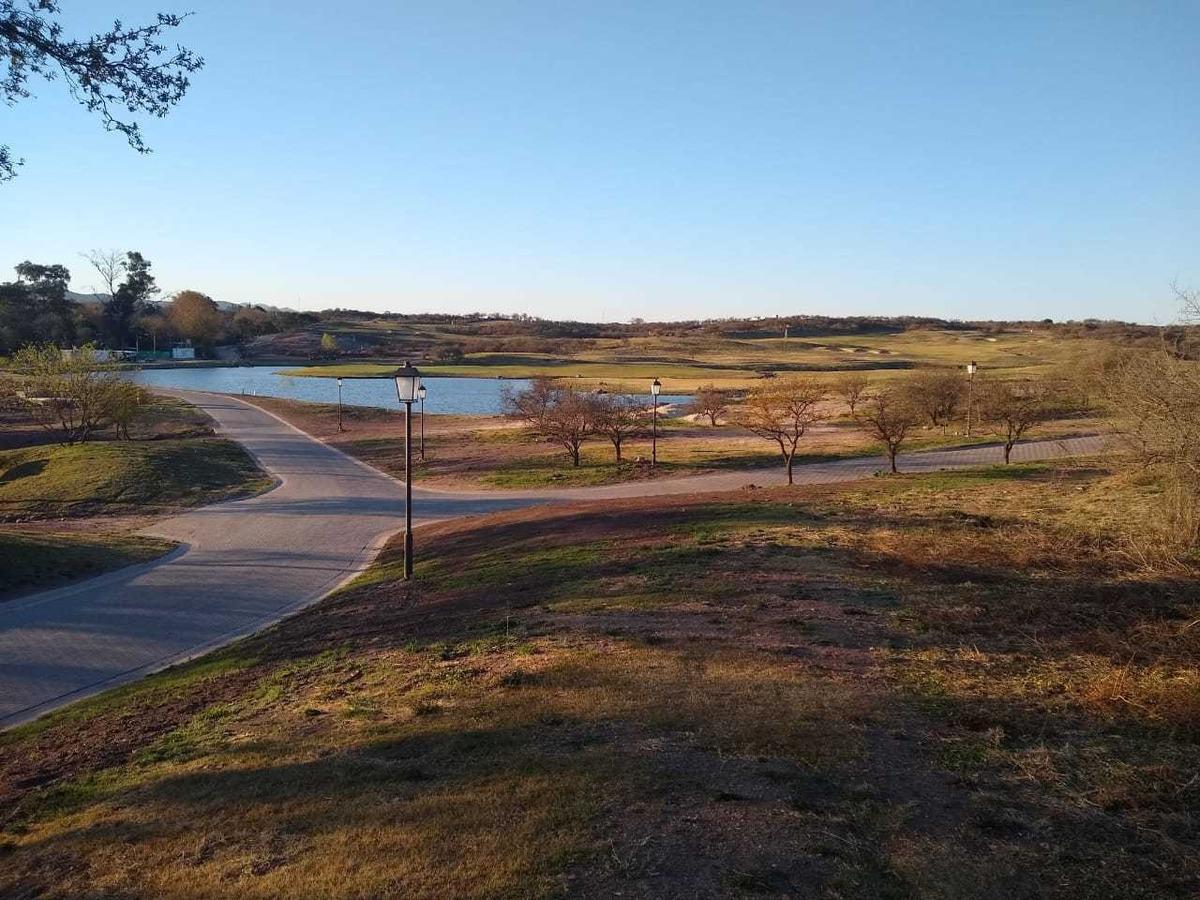 lote de 1326 m2 en estancia el terrón - golf club