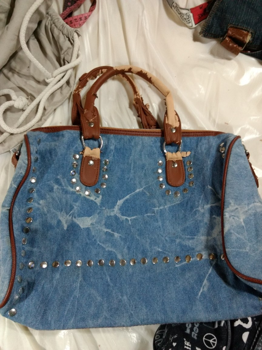 ee3ab7c775f lote de 15 carteras bolsos grandes varias marcas. Cargando zoom.