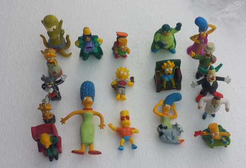 lote de 18 figuras de los simpsons