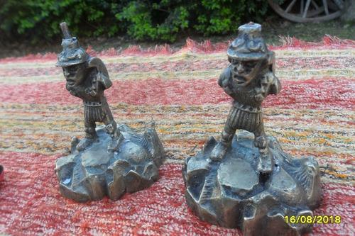 lote de 2 antiguas figuras en aleación  tipo incaicas
