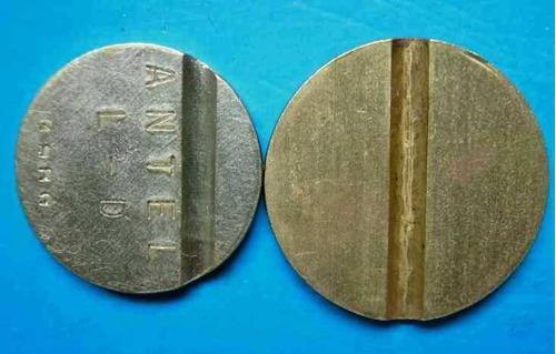 lote de 2 fichas diferentes larga distancia monederos antel.