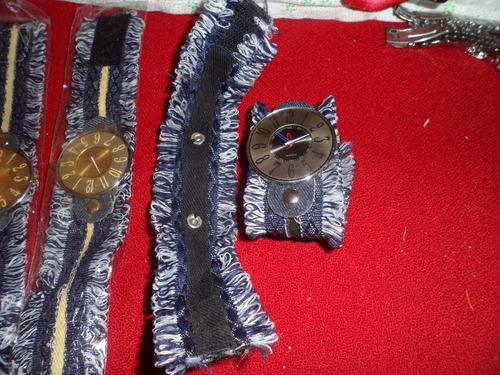 lote de 4 muñequeras de jean con reloj !!! leer !!!