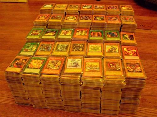 lote de 40 cartas de yugioh variadas aleatórias