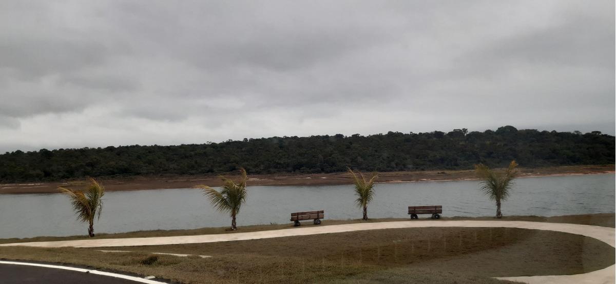 lote de 453 m² na riviera santa cristina xiii