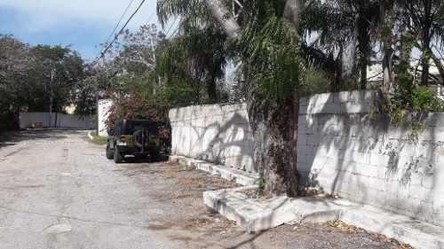 lote de 562 m2  en privada san jose cholul, ideal para proyecto de townhouses.
