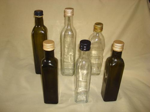 lote de 6 botellas de vidrio vacías: aceite, aceto, licores.