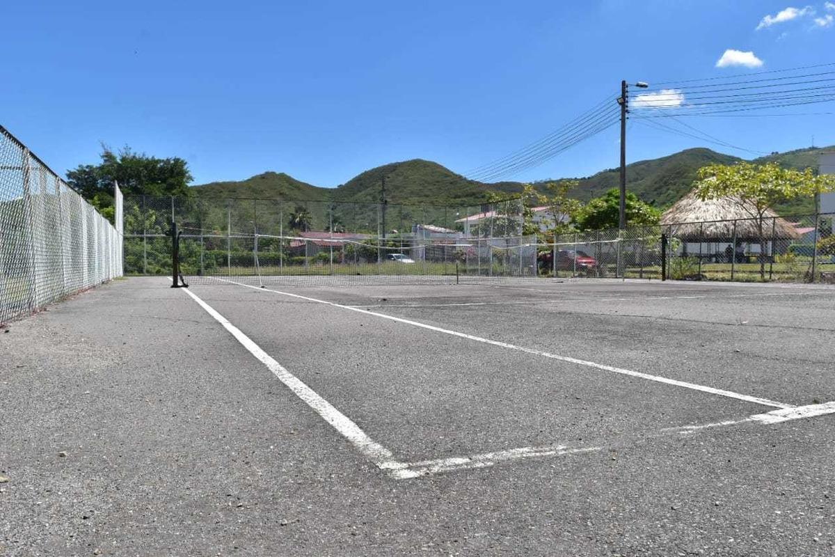lote de 600 m2 condominio el oasis