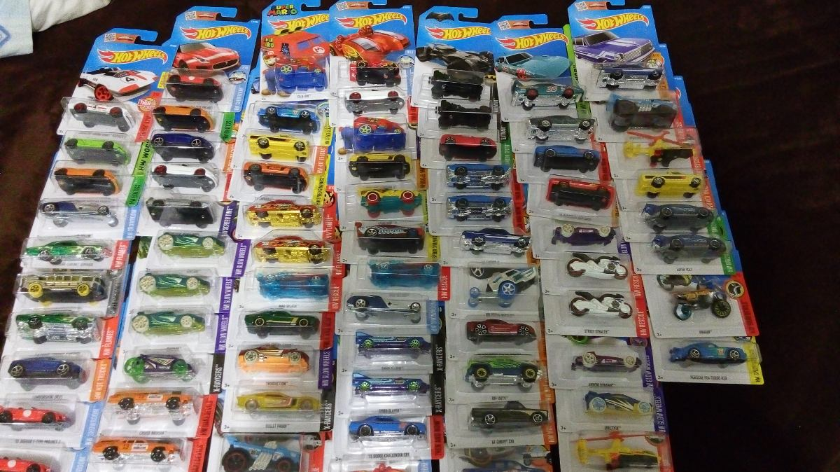 Lote de 72 carritos hot wheels 1 en mercado libre for Mercado racing clasicos