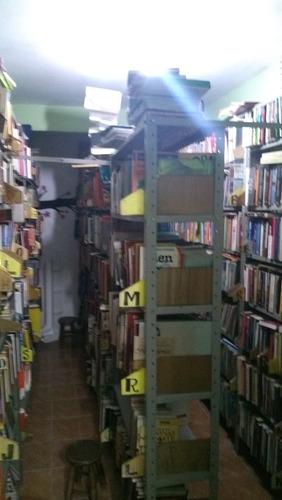 lote de 9,200 livros