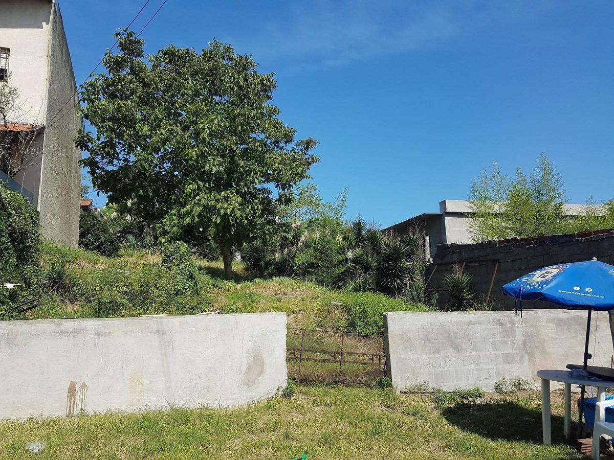 lote de 950 mts. 2  con tres casas - venta en block o separado