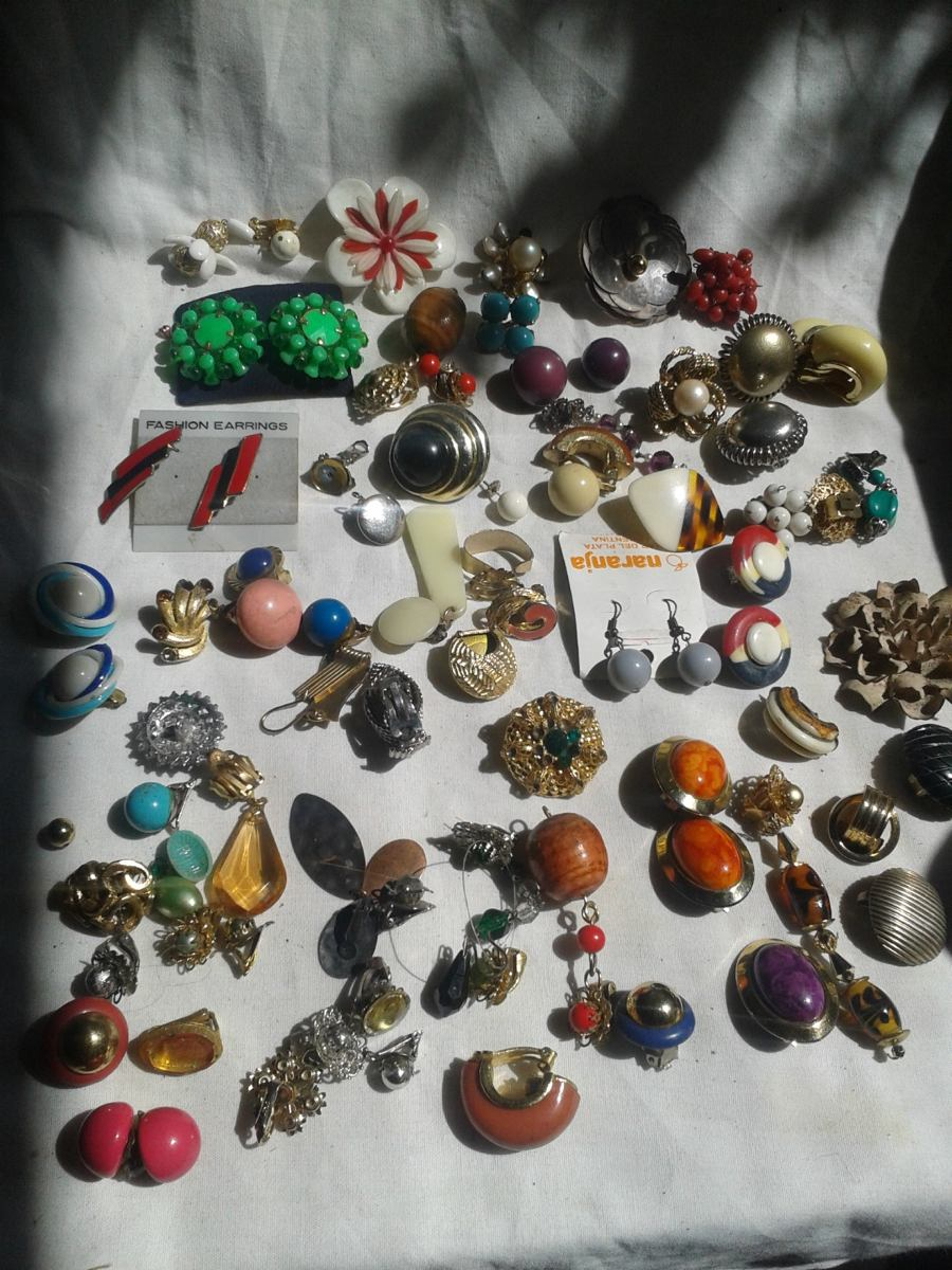 96457a1772ec lote de bijouterie fantasia para artesanos aros retro envio. Cargando zoom.