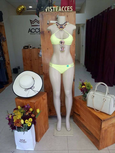 lote de bikinis