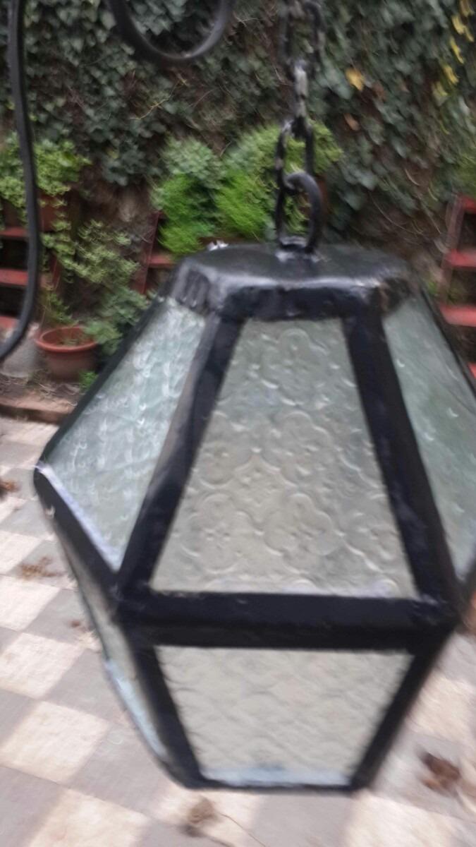 Lote de dos faroles de hierro para exteriores for Faroles para exterior precios