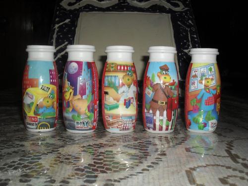 lote de envases de danoninos chicos, motivos diferentes