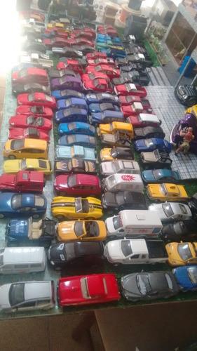 lote de miniaturas de carros 1/32 e 1/( modelos diferentes )