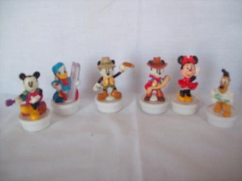 lote de muñecos y accesorios de personajes de disney