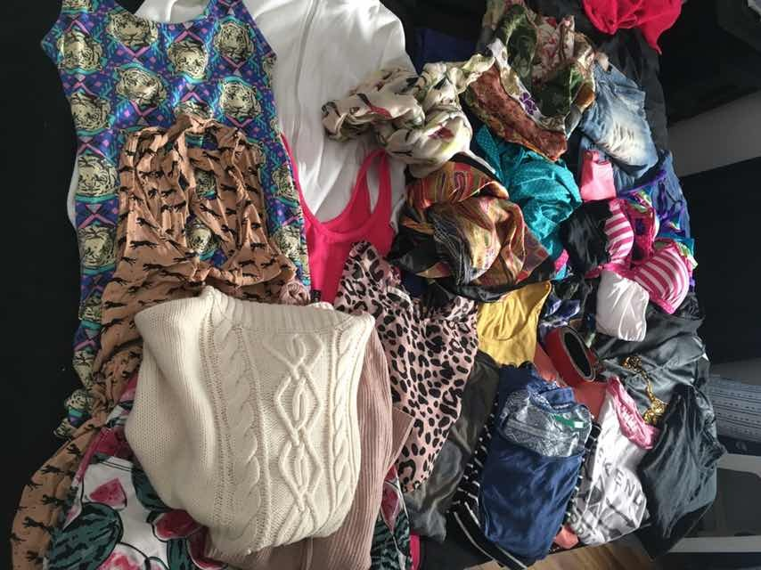 ddff2e204e lote de ropa 25 prendas!!!! remeras vestidos mayas. Cargando zoom.