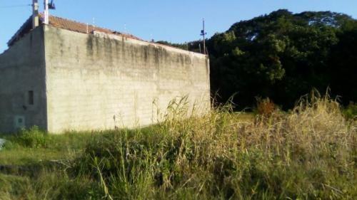 lote de terreno com metragem de 300 metros quadrados
