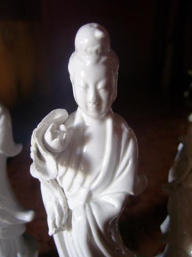 lote de tres figuras orientales loza blanc de chine $ x las3