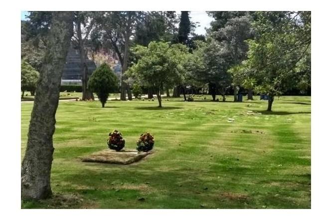 lote doble en el parque cementerio jardines de paz