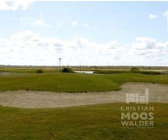 lote en barrio golf con vista a puertos del lago