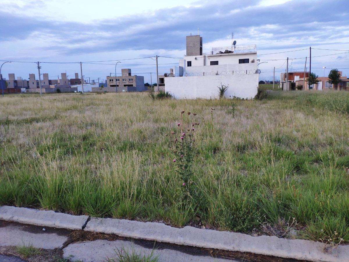 lote en valle cercano - el recreo - frente a  plaza