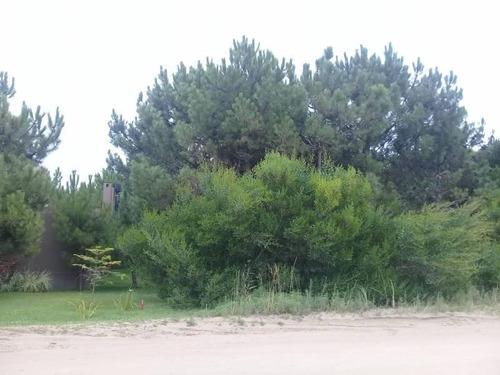 lote en venta al golf en costa esmeralda. zona cercana a paradores de playa. terreno arbolado