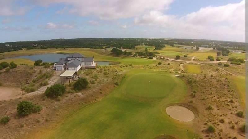 lote en venta barrio golf, zona construida