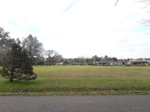 lote en venta, barrio lomas de san francisco. 1.500 m2.