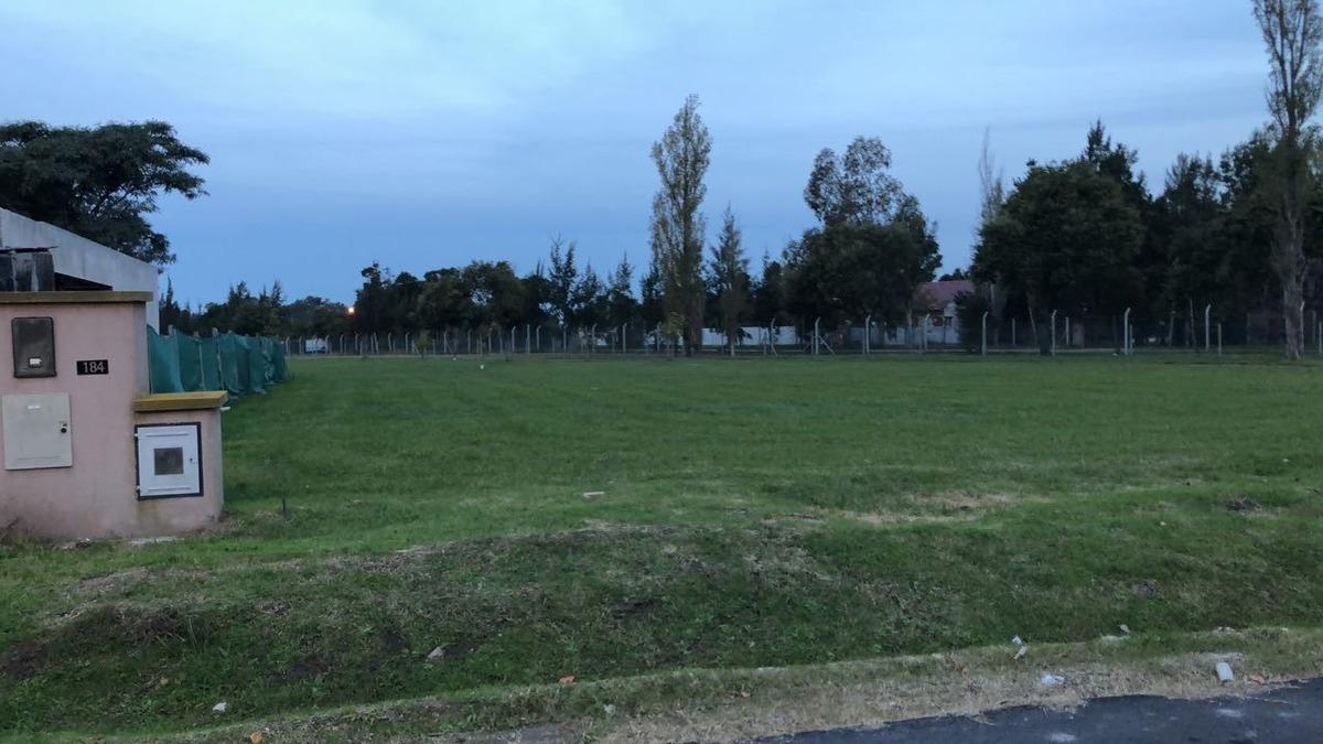 lote en venta barrio privado lomas de city bell - 970 mts2