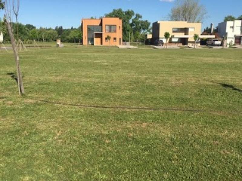 lote en venta con vista a espacio verde, campo grande, pilar