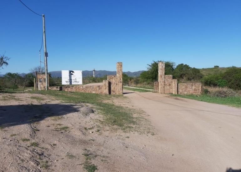 lote en venta en villa del lago 820 m2  barrio la loma zona museo del tractor  pekos