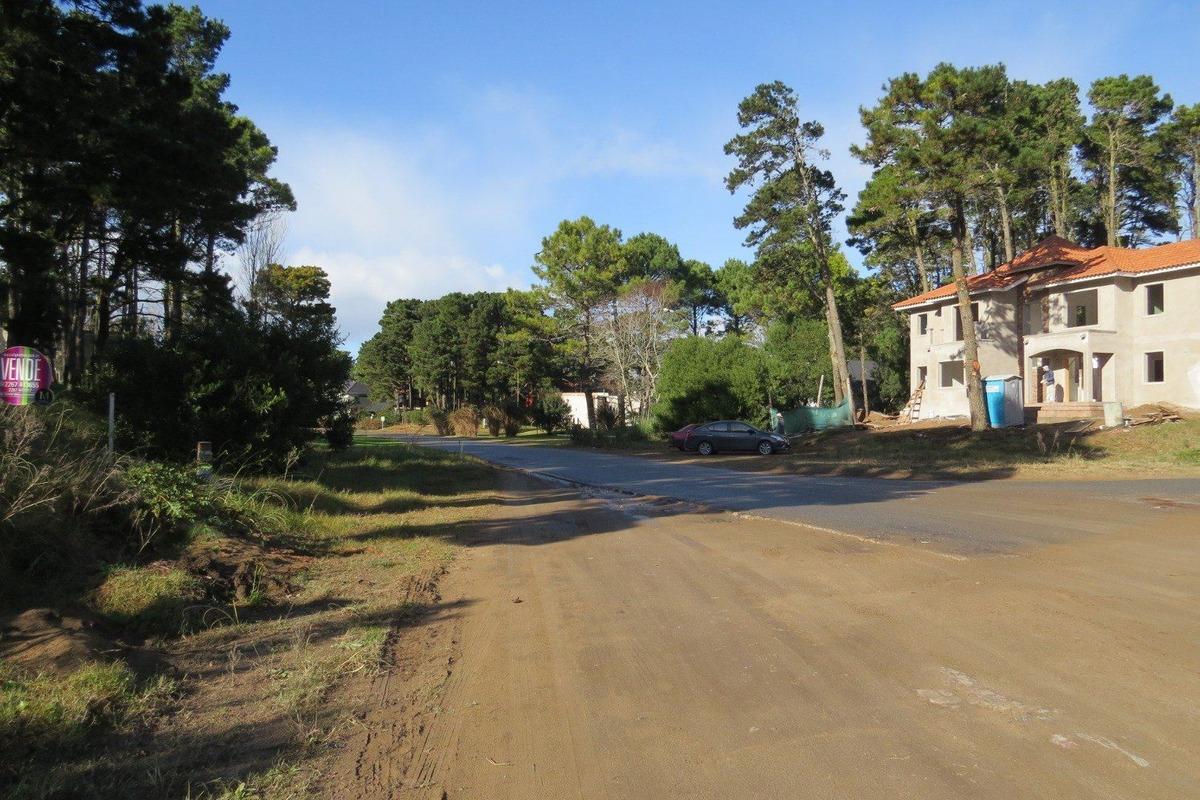 lote en venta- zona alamos i-sobre tres carabelas-hermoso barrio