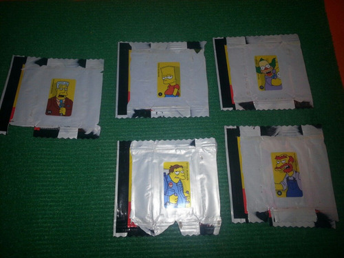 lote envoltorio y sticker simpsons chocolate 2010