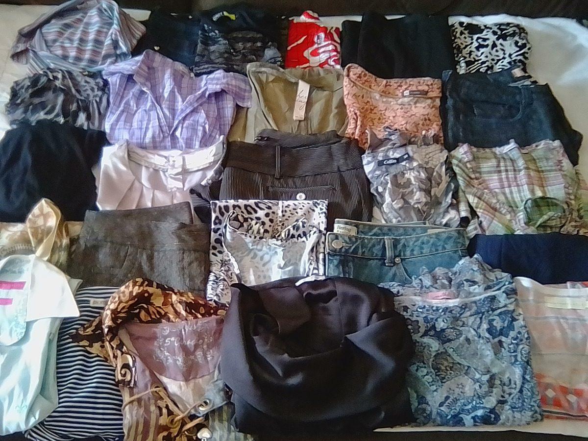 e4ed7b51290 lote especial 25 peças roupas usadas feminina algumas marca. Carregando  zoom.