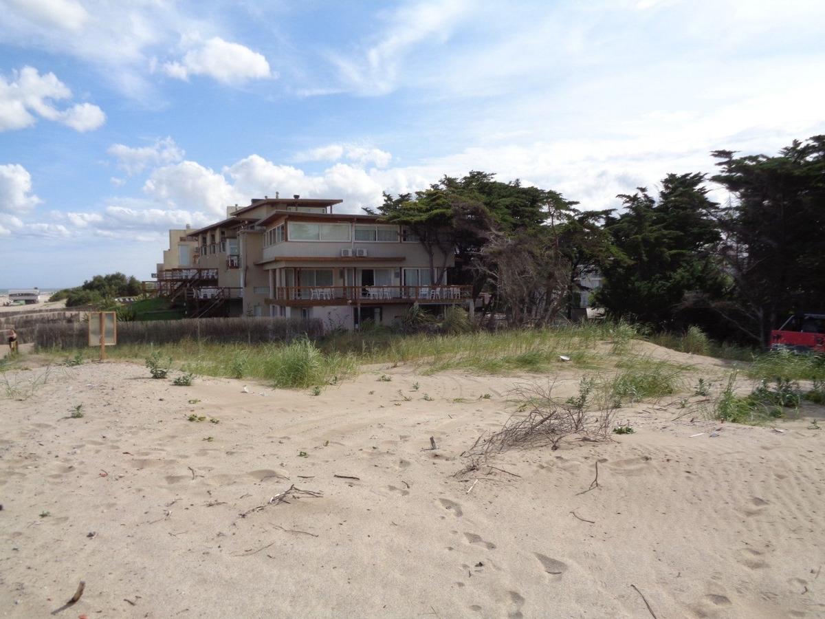 lote multifamilar / hotelero frente al mar