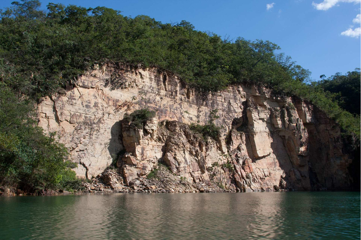 lote para venda na represa de furnas no balneario shangryla, ao lado de escarpas na região de capitólio / são jose da barra-mg. lotes de 250 a 500 m2 - te00182 - 33540174