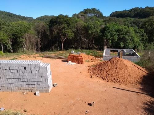 lote plano pronto para construir com agua e luz em ibiuna j