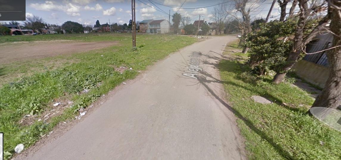 lote sobre asfalto todos los servicios merlo  económico