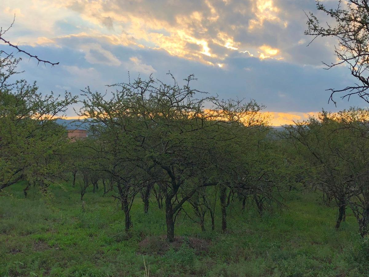 lote terreno 2527 m2 excelente vista sierras villa allende